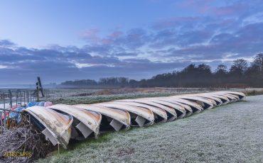 Boten op de wal - Winterochtend in het Friescheveen