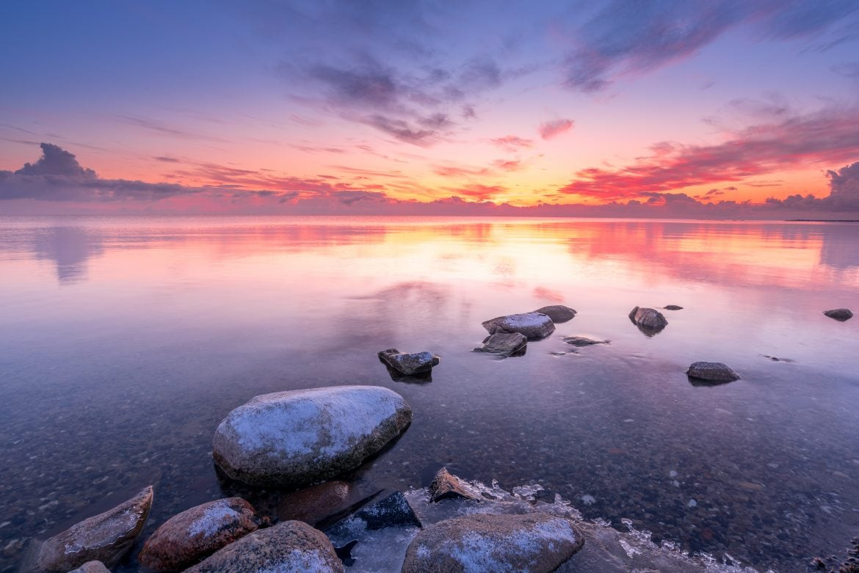 Prachtige landschapsfoto aan de kust van het IJsselmeer