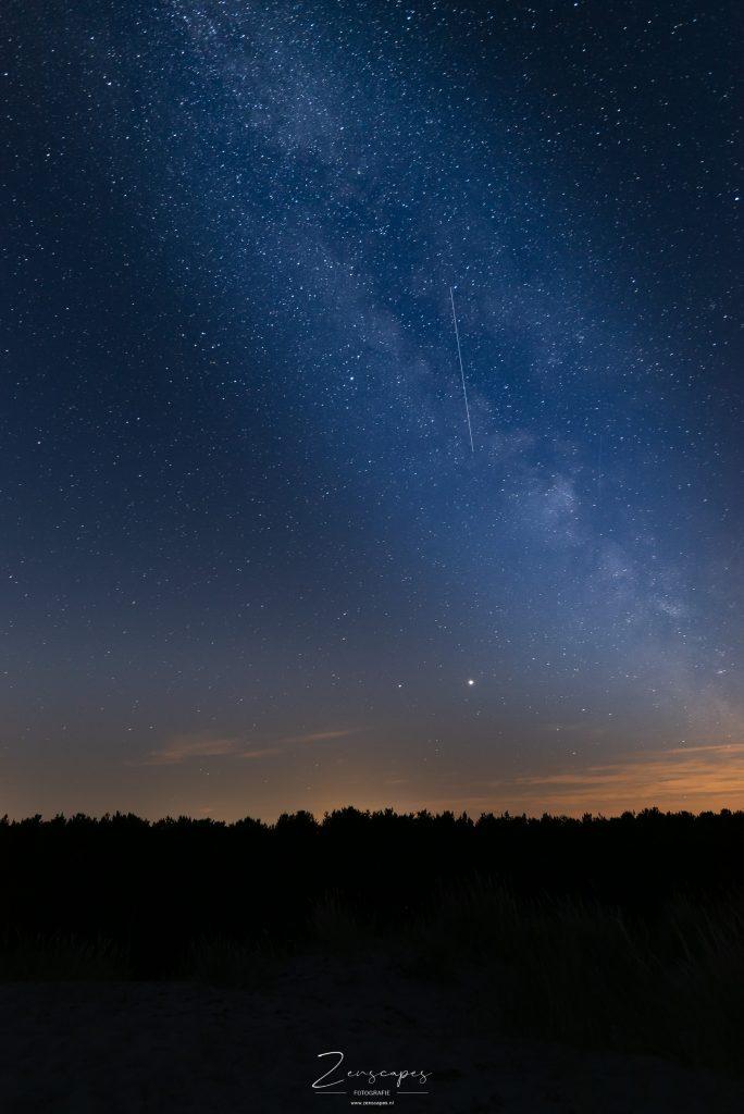 Nachtfotografie - De Melkweg boven Midsland -bewerkt