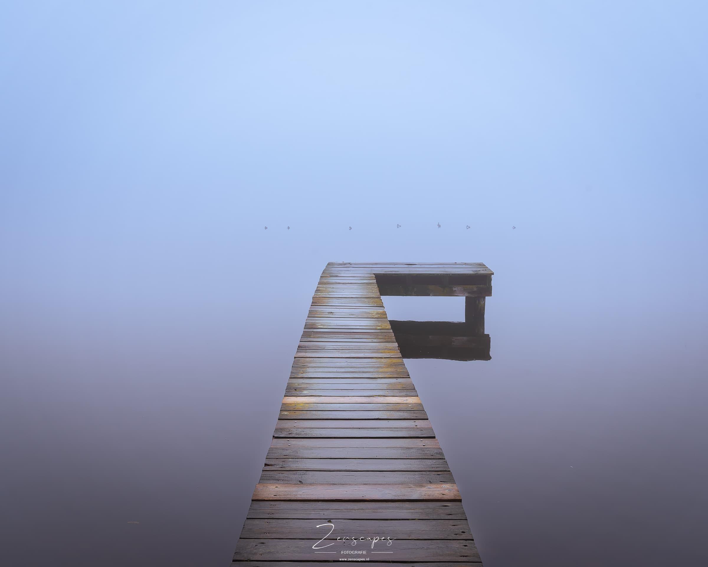 Steiger aan het meer - Fotograferen in mistige omstandigheden